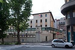 10.06.2011, Justizanstalt, Triest, ITA, Wiener Betonleichen Morde, im Bild das Gefängnis von Triest wo Goidsargi Estibaliz C. bis zu ihrer Auslieferung nach Österreich untergebracht werden soll. Italienische Polizeieinheiten haben Freitagfrüh die gesuchte Eissalonbesitzerin Goidsargi Estibaliz C. im Ortszentrum von Udine, Italien, verhaftet. Demnach wurde die 32-Jährige von mobilen Einheiten in der Nähe des Bahnhofs gestellt. Gegen Goidsargi Estibaliz C. bestand nach dem Fund von Teilen zweier einbetonierter Leichen in ihrem Kellerabteil in Wien Meidling ein EU-Haftbefehl. Verdächigt wurde die gebürtige Spanierin, nachdem diese nach der Entdeckung der Leichen anfangs dieser Woche die Flucht ergriffen hatte. Eine der Leichen ist ihr vermisster Ex-Freund Manfred H. Vom zweiten Toten wurde bisher nur der Kopf gefunden, seine Identität ist unklar, EXPA Pictures © 2011, PhotoCredit: EXPA/ Sportida/ M. Klansek Velej *** ATTENTION *** SLOVENIA OUT!