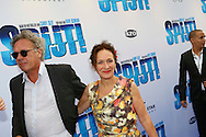 AMSTERDAM - In het Tuschinski Theater is de filmpremière Spijt. Met hier op de foto  Marloes van den Heuvel met haar partner. FOTO LEVIN DEN BOER - PERSFOTO.NU