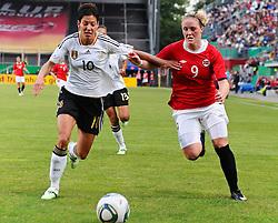 16.06.2011, Bruchwegstadion, Mainz, FIFA WOMENS WORLDCUP 2011, Deutschland (GER) vs. Norwegen (NOR), im Bild  Linda Bresonik (Deutschland #10, Duisburg) im Zweikampf mit Guro Knutsen Mienna (Norwegen, Roa IL)  waehrend eines Vorbereitungsspiels // during a friendly match on 2011/06/16, Bruchwegstadion, Mainz, Germany. + EXPA Pictures © 2011, PhotoCredit: EXPA/ nph/  Roth       ****** out of GER / SWE / CRO  / BEL ******