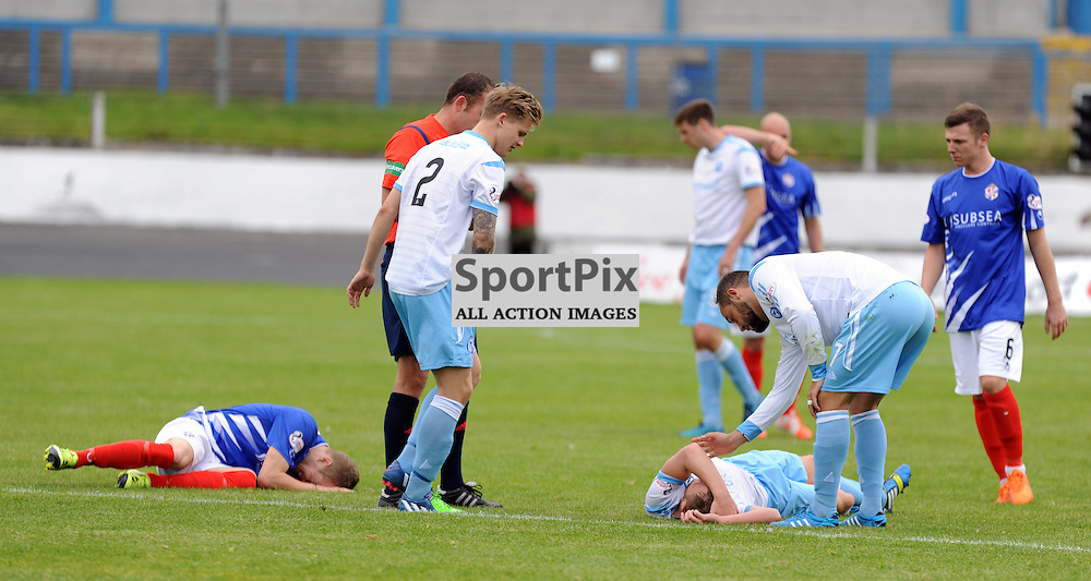 Cowdenbeath v Forfar Ladbrokes League 1 Central Park 19 September 2015<br /> <br /> Head knock<br /> <br /> (c) David Wardle | StockPix.eu