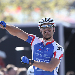 RIJSSEN (NED) wielrennen:  <br /> De 63e ronde van Overijssel heeft als zwaarte punt de heuveltjes rond Ootmarsum en de Sallandse heuvelrug. Net als in de ronde van Vlaanderen kent men in Overijssel het dorp van de ronde. In 2015 is de eer aan Markelo. Jeff Vermeulen wint de ronde van Overijssel voor Marco Zanotti (Italie) en Coen Vermeltvoort (Schijndel)