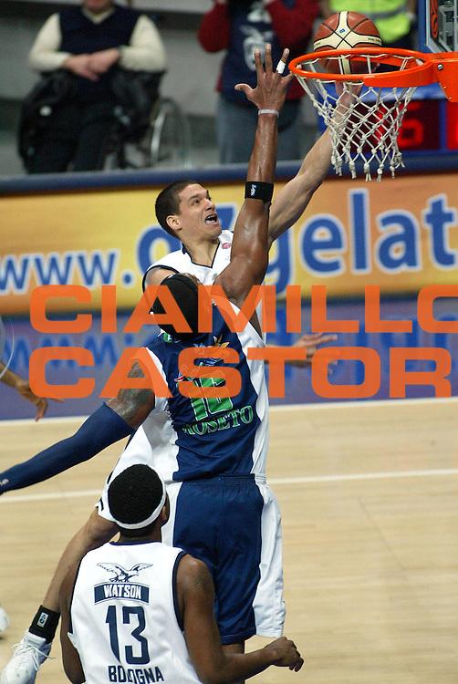 DESCRIZIONE : Bologna Lega A1 2005-06 Climamio Fortitudo Bologna Roseto Basket<br />GIOCATORE : Green<br />SQUADRA : Climamio Fortitudo Bologna <br />EVENTO : Campionato Lega A1 2005-2006 <br />GARA :Climamio Fortitudo Bologna Roseto Basket<br />DATA : 05/02/2006 <br />CATEGORIA : Tiro <br />SPORT : Pallacanestro <br />AUTORE : Agenzia Ciamillo-Castoria/L.Villani <br />Galleria : Lega Basket A1 2005-2006 <br />Fotonotizia : Bologna Campionato Italiano Lega A1 2005-2006 Climamio Fortitudo Bologna Roseto Basket <br />Predefinita :