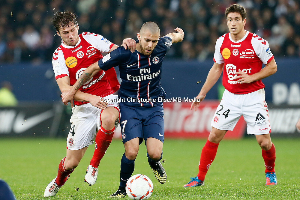 FOOTBALL - FRENCH CHAMPIONSHIP 2012/2013 - L1 - PARIS SAINT GERMAIN VS REIMS - 20/10/2012 - GRZEGORZ  KRYCHOWIAK (REIMS) JEREMY MENEZ (PARIS SAINT-GERMAIN)
