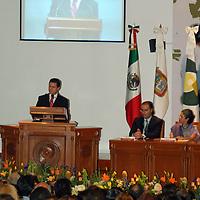"""Toluca, Mex.- Enrique Peña Nieto, gobernador del estado de México  encabeza el """"XIII Congreso Nacional y VI Congreso Internacional sobre Menores Infractores"""". Agencia MVT / José Hernández. (DIGITAL)<br /> <br /> <br /> <br /> NO ARCHIVAR - NO ARCHIVE"""