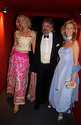 Lisa Bentinck, Baron Steven Bentinck and Alison Doody. British Red Cross tenth annual Ball. 'The Room' South Bank. London. 1 December 2004. ONE TIME USE ONLY - DO NOT ARCHIVE  © Copyright Photograph by Dafydd Jones 66 Stockwell Park Rd. London SW9 0DA Tel 020 7733 0108 www.dafjones.com