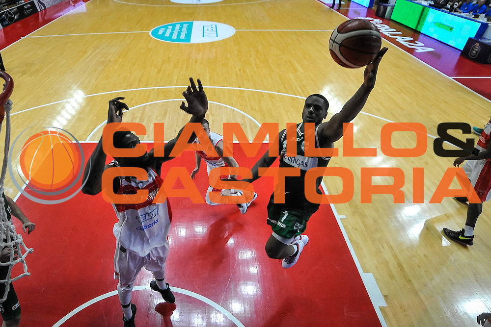Ragland Joe<br /> Openjobmetis Varese - Sidigas Avellino<br /> Basket Fiba Champions 2016/2017<br /> Desio 06/11/2016<br /> Foto Ciamillo-Castoria