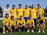 FODBOLD: Brøndbys hold før opvisningskampen mellem Elite 3000 Helsingør og Brøndby IF den 16. juni 2010 på Helsingør Stadion. Foto: Claus Birch