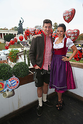05.10.2014, Theresienwiese, München, GER, 1. FBL, FC Bayern Muenchen am Oktoberfest, im Bild Robert Lewandowski attends with his wife Anna Stachurska the Oktoberfest beer festival at Kaefer Wiesnschaenke tent at Theresienwiese on 2014/10/05. EXPA Pictures © 2014, PhotoCredit: EXPA/ Eibner-Pressefoto/ Pool<br /> <br /> *****ATTENTION - OUT of GER*****