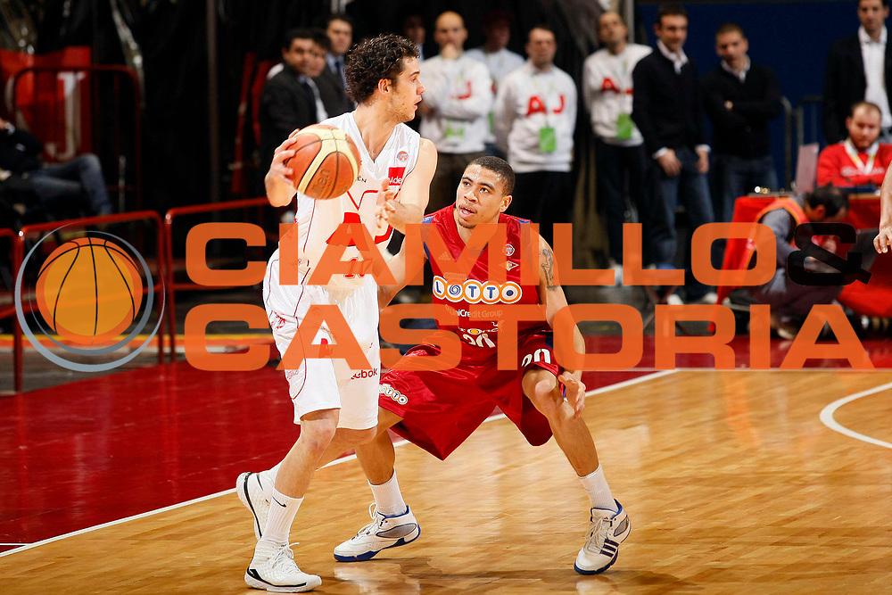 DESCRIZIONE : Milano Lega A1 2008-09 Armani Jeans Milano Lottomatica Virtus Roma<br /> GIOCATORE : Luca Vitali<br /> SQUADRA : Armani Jeans Milano<br /> EVENTO : Campionato Lega A1 2008-2009<br /> GARA : Armani Jeans Milano Lottomatica Virtus Roma<br /> DATA : 04/01/2009<br /> CATEGORIA : Palleggio<br /> SPORT : Pallacanestro<br /> AUTORE : Agenzia Ciamillo-Castoria/G.Cottini