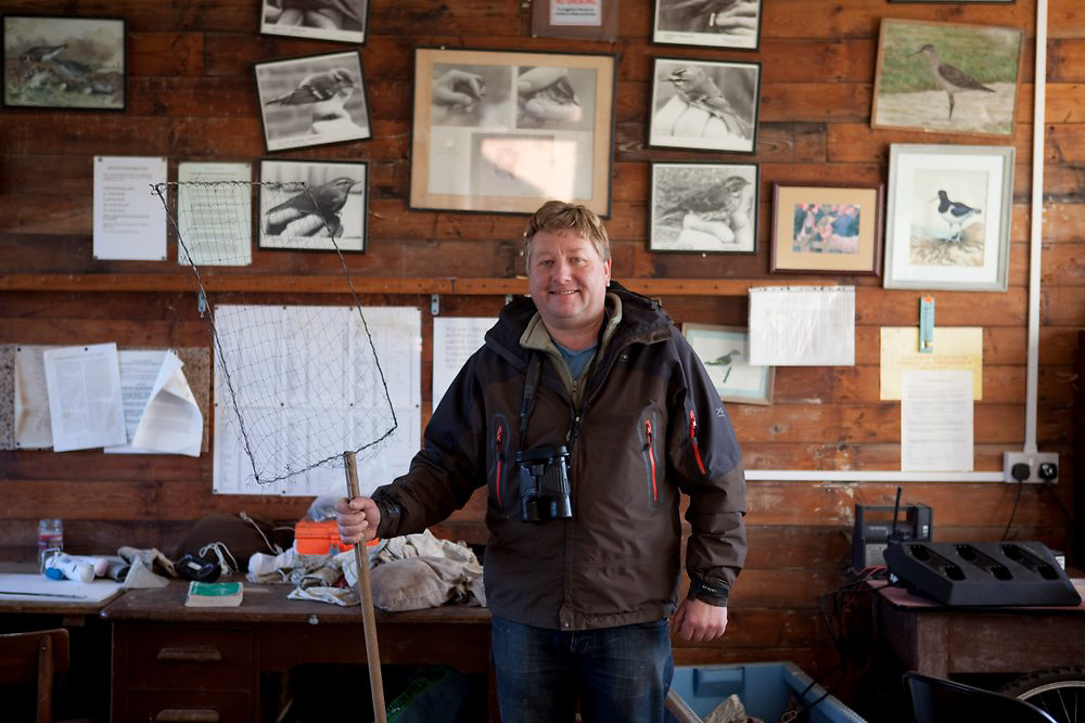 15/11/10 Spurn Head , East Yorkshire - Paul Collins , bird ringer at the Surn Bird Observatory 15/11/10 Spurn Head , East Yorkshire - Paul Collins , bird ringer at the Spurn Bird Observatory