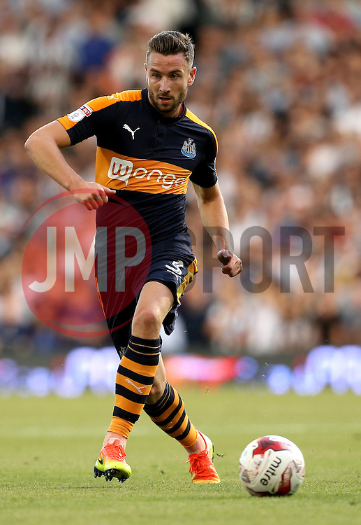 Paul Dummett of Newcastle United passes the ball - Mandatory by-line: Robbie Stephenson/JMP - 05/08/2016 - FOOTBALL - Craven Cottage - Fulham, England - Fulham v Newcastle United - Sky Bet Championship
