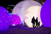 Installation visuelle et sonore  ´SpËres polairesª (crÈation de Bernard Duguay et  Pierre Gagnon) dans le Quartier des spectacles pendant le Festival MontrÈal en LumiËre ‡ l'hiver 2011.