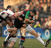Twickenham, GREAT BRITAIN, Nick EASTER, breaking through, during the Guinness Premiership game Harlequins [Quins] vs Saracens at the Stoop, Middx, 22/12/2007  [Mandatory Credit Peter Spurrier/Intersport Images]