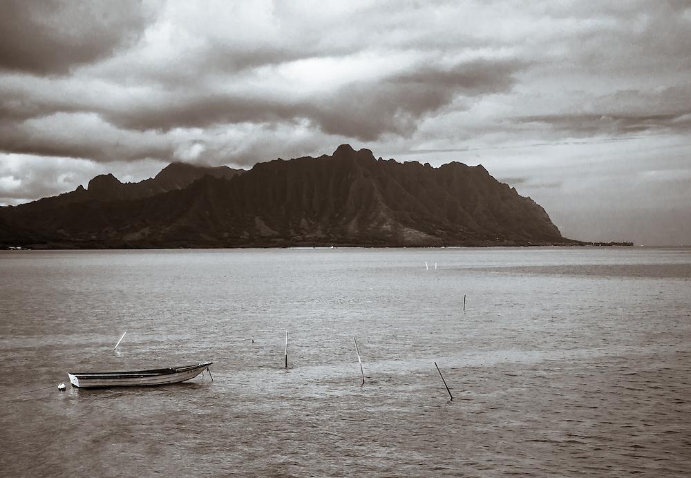 Kaneohe Bay Towards Kualoa boat