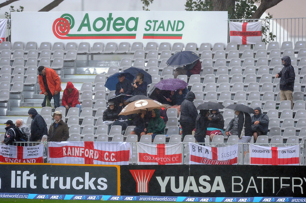 Rain delays play between New Zealand and England on the first day of the 1st international cricket test, University Oval, Dunedin, New Zealand, Wednesday, March 06, 2013. Credit:SNPA / Ross Setford