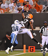 Cleveland Browns' Braylon Edwards makes a one-handed catch but is ruled out of bounds during a preseason NFL football game against the Tennessee Titans on Saturday, August 29, 2009, at Cleveland Browns Stadium in Cleveland, Ohio. (AP Photo/David Richard)