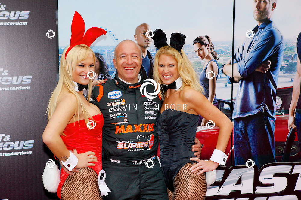AMSTERDAM - Bij Pathe ArenA is de film 'Fast & Furious 6' in premiere gegaan. Met op de foto  Playboy bunny Joy van Velsen, autocoureur Tim Coronel en Playboy bunny Kim. FOTO LEVIN DEN BOER - PERSFOTO.NU