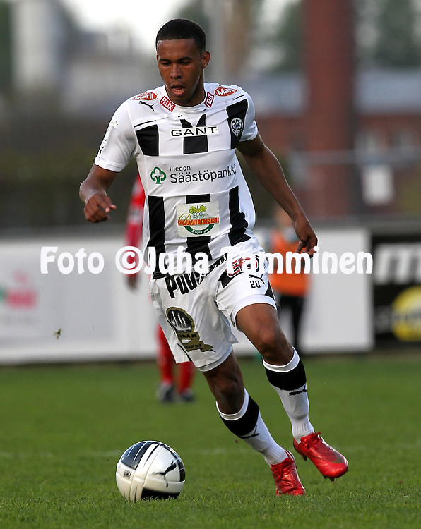 12.5.2011, Veritas stadion, Kupittaa, Turku..Veikkausliiga 2011, FC TPS Turku - FF Jaro Pietarsaari..Leroy Maluka - TPS.