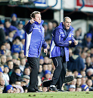 HARRY REDKNAPP and JOE JORDAN urge the team on<br /> <br /> PORTSMOUTH V WEST HAM PREMIERSHIP 26.12.05 <br /> <br /> PHOTO SEAN RYAN FOTOSPORTS INTERNATIONAL