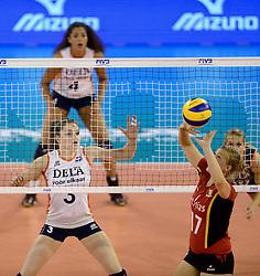01-06-2014 NED:  Vriendschappelijk Nedeland - Belgie, Eindhoven<br /> Nederland wint met 3-2 van Belgie / Yvon Belien, Ilka van de Vyver