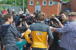 15.05.2013, Weserstadion, Bremen, GER, 1.FBL, Laktattest SV Werder Bremen, im Bild Clemens Fritz (SV Werder Bremen #8) beim Interview nach dem Laktattest // during the training session of the German Bundesliga Club SV Werder Bremen at the Weserstadion, Bremen, Germany on 2013/05/15. EXPA Pictures © 2013, PhotoCredit: EXPA/ Andreas Gumz ***** ATTENTION - OUT OF GER *****