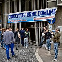 Roma - Ex rimessa Atac piazza Ragusa occupata