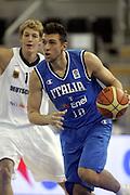 DESCRIZIONE : Madrid Spagna Spain Eurobasket Men 2007 Qualifying Round Germania Italia Germany Italy GIOCATORE : Andrea Bargnani <br /> SQUADRA : Nazioanle Italia Uomini Italy <br /> EVENTO : Eurobasket Men 2007 Campionati Europei Uomini 2007 <br /> GARA : Germania Italia Germany Italy <br /> DATA : 12/09/2007 <br /> CATEGORIA : Penetrazione <br /> SPORT : Pallacanestro <br /> AUTORE : Ciamillo&amp;Castoria/H.Bellenger Galleria : Eurobasket Men 2007 <br /> Fotonotizia : Madrid Spagna Spain Eurobasket Men 2007 Qualifying Round Germania Italia Germany Italy Predefinita :