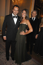 TOM FORD and ELIZABETH SALTZMAN at the Ark 2007 charity gala at Marlborough House, Pall Mall, London SW1 on 11th May 2007.<br />