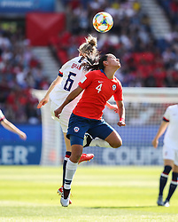 2019?6?17?.    ?????????——F??????????.    6?16????????????????????????????.    ???????????2019??????????F??????????3?0??????.    ?????????..(SP)FRANCE-PARIS-SOCCER-FIFA WOMEN'S WORLD CUP-USA VS CHI.Francisca Lara (R) of Chile vies for header with Morgan Brian of the United States during a Group F match between the united States and Chile at the 2019 FIFA Women's World Cup in Paris, France, June 16, 2019. The United States won 3-0. (Credit Image: © Xinhua via ZUMA Wire)