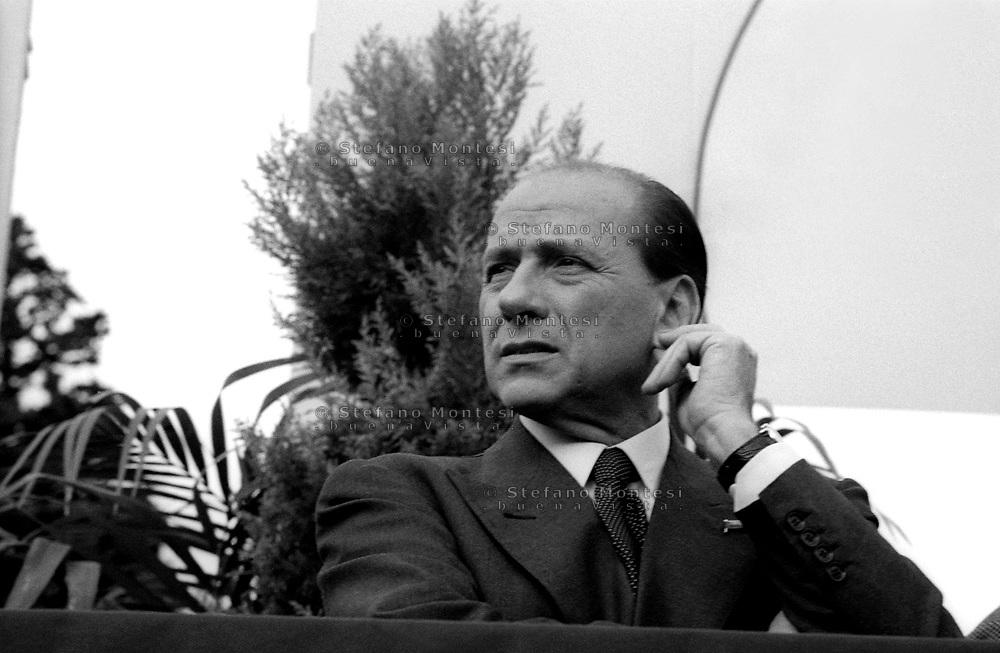 Roma Marzo 2001..Silvio Berlusconi ad una manifestazione la campagna elettorale ..Rome March 2001..Silvio Berlusconi for the electoral campaign .