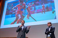 UTRECHT - Arthur van Es (Volvo) met Erik Gerritsen (KNHB)  Nationaal Hockey Congres van de KNHB, COPYRIGHT KOEN SUYK