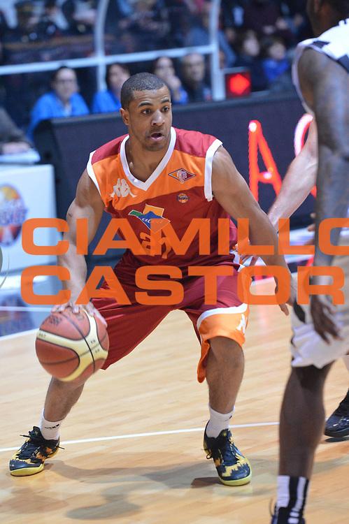 DESCRIZIONE : Caserta Lega A 2012-13 Juve Caserta Acea Roma<br /> GIOCATORE : Jordan Taylor<br /> CATEGORIA : palleggio<br /> SQUADRA : Acea Roma<br /> EVENTO : Campionato Lega A 2012-2013 <br /> GARA :  Juve Caserta Acea Roma<br /> DATA : 24/02/2013<br /> SPORT : Pallacanestro <br /> AUTORE : Agenzia Ciamillo-Castoria/GiulioCiamillo<br /> Galleria : Lega Basket A 2012-2013  <br /> Fotonotizia : Caserta Lega A 2012-13 Juve Caserta Acea Roma<br /> Predefinita :