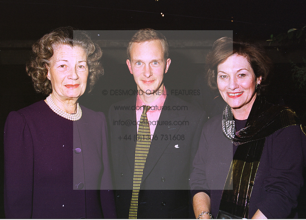 Left to right, MRS CORAL SAMUEL, DR SIMON THURLEY and JOAN RUDDOCK MP at an exhibition in London on 26th October 1998.MLF 55