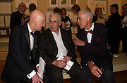 Allen Jones, Howard Hodgkin and Richard Long, Royal Academy summer exhibition annual dinner. Picadilly.  2 June 2004. ONE TIME USE ONLY - DO NOT ARCHIVE  © Copyright Photograph by Dafydd Jones 66 Stockwell Park Rd. London SW9 0DA Tel 020 7733 0108 www.dafjones.com