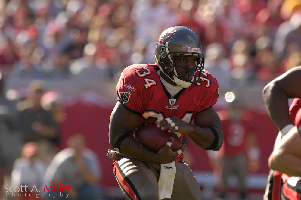 Dec. 23, 2007; Tampa, FL, USA; Tampa Bay Buccaneers running back Earnest Graham (34) during the Bucs game against the Atlanta Falcons at Raymond James Stadium....©2007 Scott A. Miller
