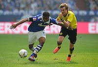 FUSSBALL   1. BUNDESLIGA   SAISON 2011/2012   31. SPIELTAG FC Schalke 04 - Borussia Dortmund                      14.04.2012 Jefferson Farfan (li, FC Schalke 04) gegen Kevin Grosskreutz (re, Borussia Dortmund)