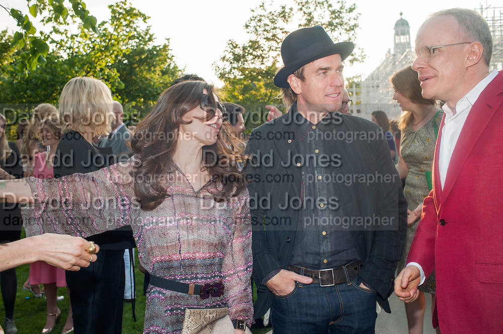 Eve Mavrakis; Ewan McGregor; Hans Ulrich Obrist, The Serpentine Summer Party 2013 hosted by Julia Peyton-Jones and L'Wren Scott.  Pavion designed by Japanese architect Sou Fujimoto. Serpentine Gallery. 26 June 2013. ,