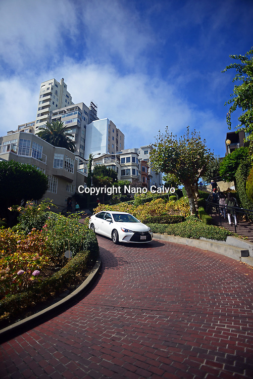 Popular Lombard Street in San Francisco, an east–west street that is famous for a steep, one-block section with eight hairpin turns.