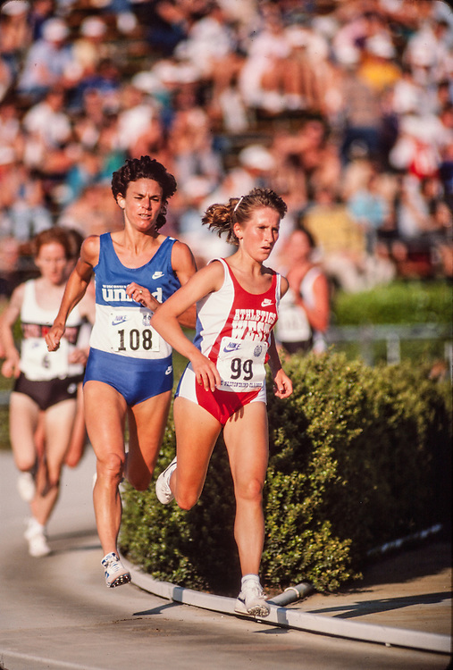 Nan Doak, Cindy Bremser, Prefontaine Classic track and field meet, Hayward Field, University of Oregon, Eugene, Oregon, USA