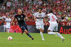 31.07.2013, Allianz Arena, Muenchen, Audi Cup 2013, FC Bayern Muenchen vs Sao Paulo, im Bild, Links Arjen ROBBEN (FC Bayern Muenchen) // during the Audi Cup 2013 match between FC Bayern Muenchen and Sao Paulon at the Allianz Arena, Munich, Germany on 2013/07/31. EXPA Pictures © 2013, PhotoCredit: EXPA/ Eibner/ Wolfgang Stuetzle<br /> <br /> ***** ATTENTION - OUT OF GER *****