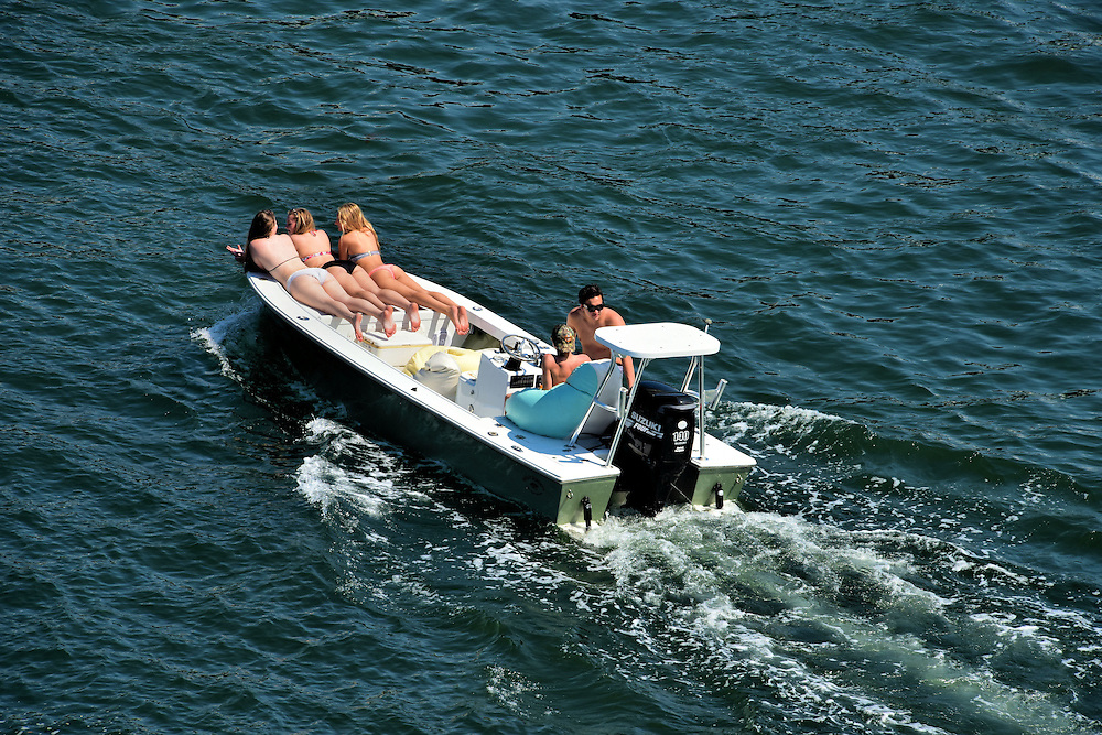 Young Couples on Speed Boat in Fort Lauderdale, Florida<br />
