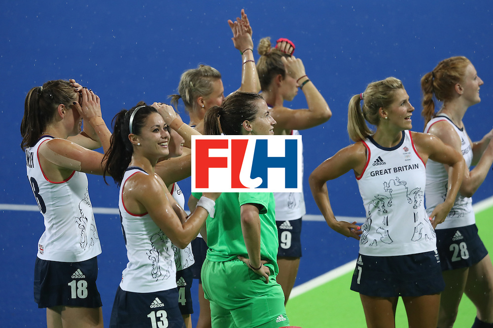 RIO DE JANEIRO, BRAZIL - AUGUST 15:  Great Britain celebrate after their victory during the Women's quarter final hockey match between Great Britain and Spain on Day10 of the Rio 2016 Olympic Games held at the Olympic Hockey Centre on August 15, 2016 in Rio de Janeiro, Brazil.  (Photo by David Rogers/Getty Images)