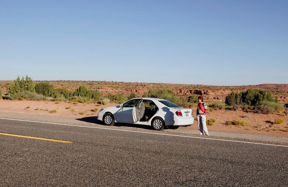 US-MEXICAN HAT: A break from driving. PHOTO GERRIT DE HEUS