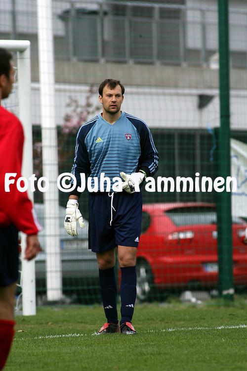 13.05.2006, Pallokentt?, Helsinki, Finland..Ykk?nen 2006 .Atlantis FC v Rakuunat.Aleksander Mishtshuk - Atlantis.©Juha Tamminen.....ARK:k