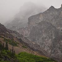 D 04241 Misty crags