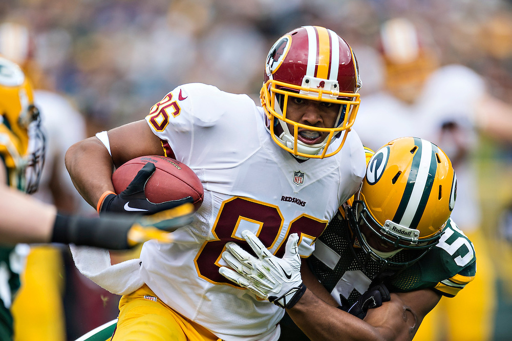 GREEN BAY, WI - SEPTEMBER 15:  Jordan Reed #86 of the Washington Redskins runs the ball against the Green Bay Packers at Lambeau Field on September 15, 2013 in Green Bay, Wisconsin. The Packers defeated the Redskins 38-20.  (Photo by Wesley Hitt/Getty Images) *** Local Caption *** Jordan Reed
