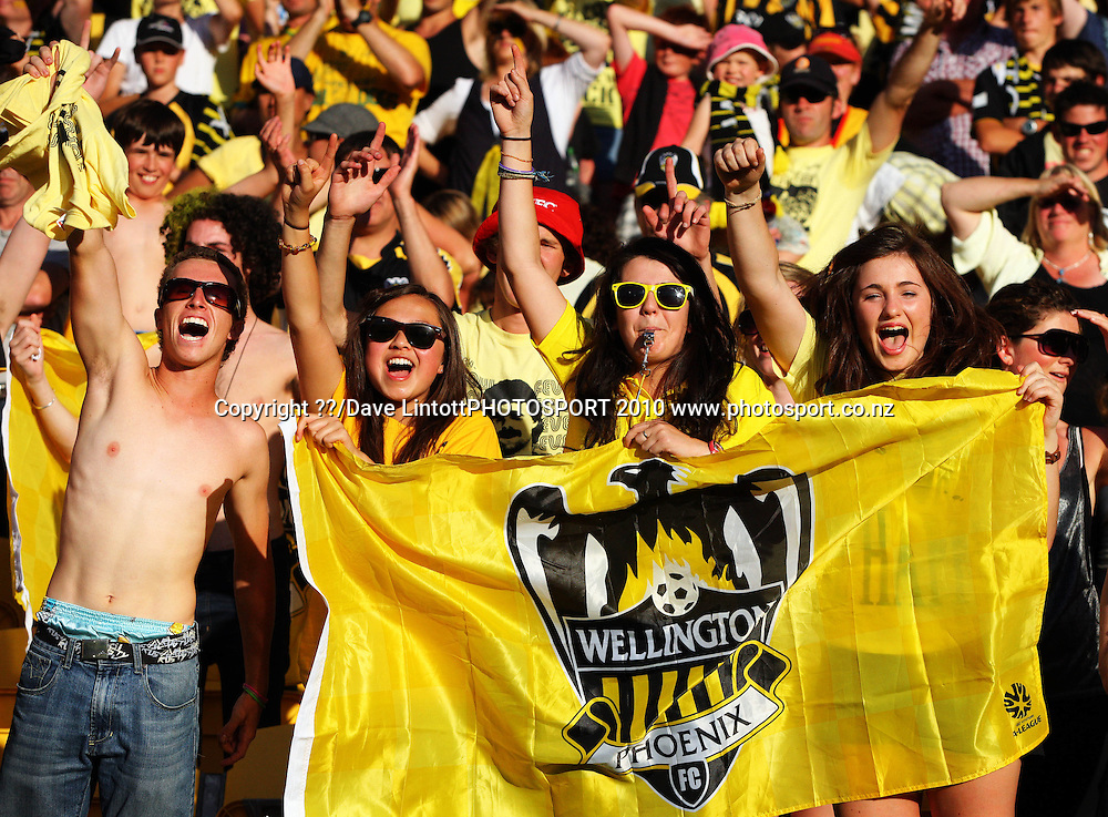Phoenix fans celebrate.<br /> A-League football semifinal playoffs - Wellington Phoenix v Newcastle Jets at Westpac Stadium, Wellington. Sunday, 7 March 2010. Photo: Dave Lintott/PHOTOSPORT