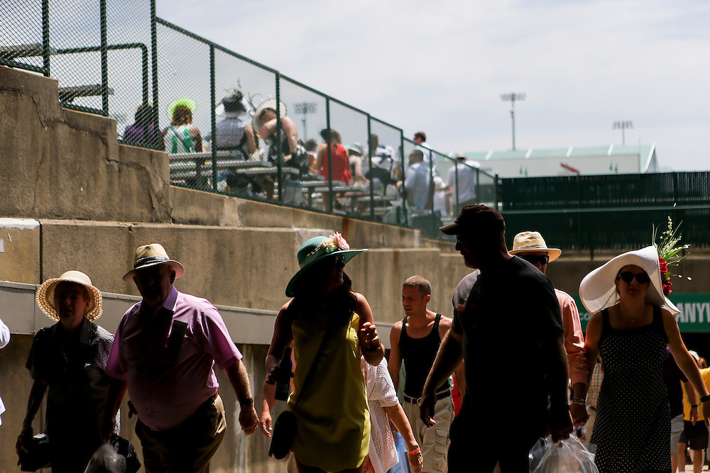 LOUISVILLE, KY - MAY 7:  Fans walk to the grandstand prior to the 142nd running of the Kentucky Derby at Churchill Downs on May 7, 2016 in Louisville, Kentucky. (Photo by Michael Reaves/Getty Images)