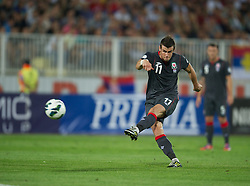 NOVI SAD, SERBIA - Tuesday, September 11, 2012: Wales' Gareth Bale scores the first goal against Serbia during the 2014 FIFA World Cup Brazil Qualifying Group A match at the Karadorde Stadium. (Pic by David Rawcliffe/Propaganda)