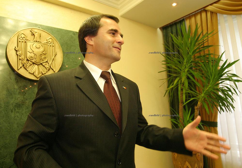 Vasile Tartev, Premierminister der Republik Moldau, bei einem Gespräch in der Hauptstadt Chisinau. / Vasile Tartev, Prime Minister of the Republic of Moldova during talks to press in the capital Chisisnau.
